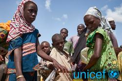 Bílabúð Benna styrkir UNICEF