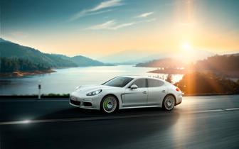 Sumardekk - Porsche Panamera