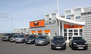 300 Opel bílar til Sixt