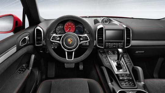 Porsche-GTS-19