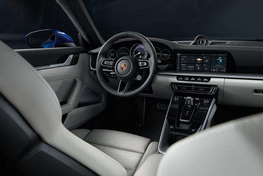 Porsche 911 4S-11