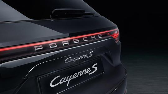 Porsche-Cayenne-S-1