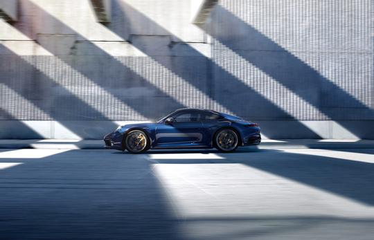 Porsche 911 4S-12
