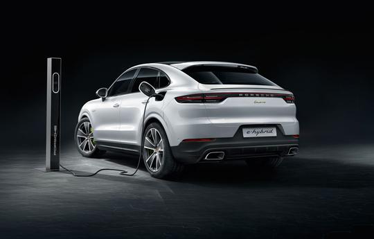 Porsche_Cayenne_Coupe_E-Hybrid