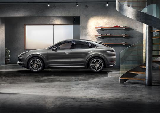 Porsche_Cayenne_Coupe_E-Hybrid-10