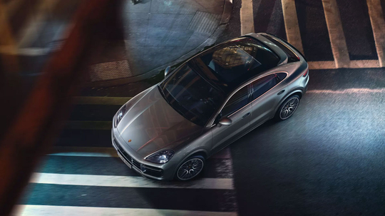 Porsche_Cayenne_Coupe_E-Hybrid_-2